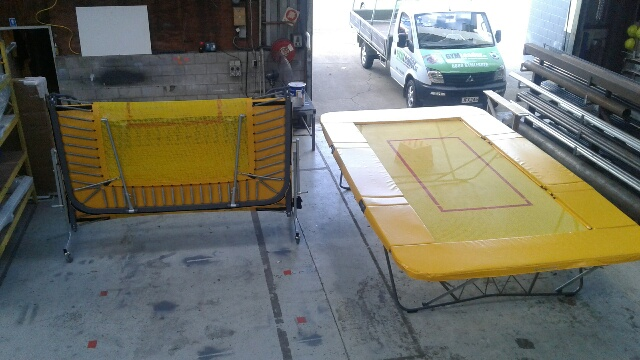 REGULATION FOLDING TRAMP - 2 STRING BED